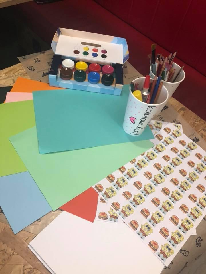 DZIEŃ DZIECKA W ZDROWEJ KROWIE! - zestaw do malowania dla dzieci